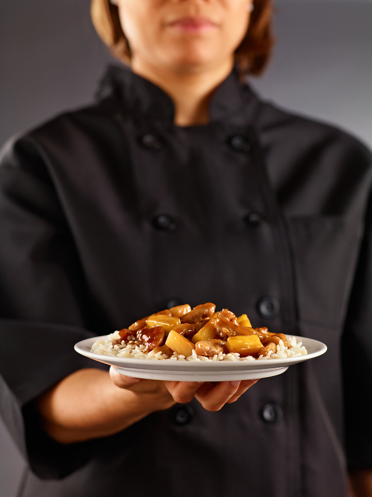 Chef-Holding-Plate.jpg