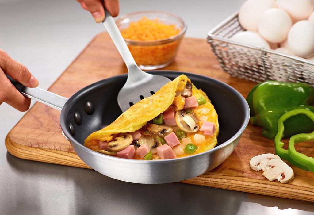 Omelet-Folded-W-Skillet-alt.jpg