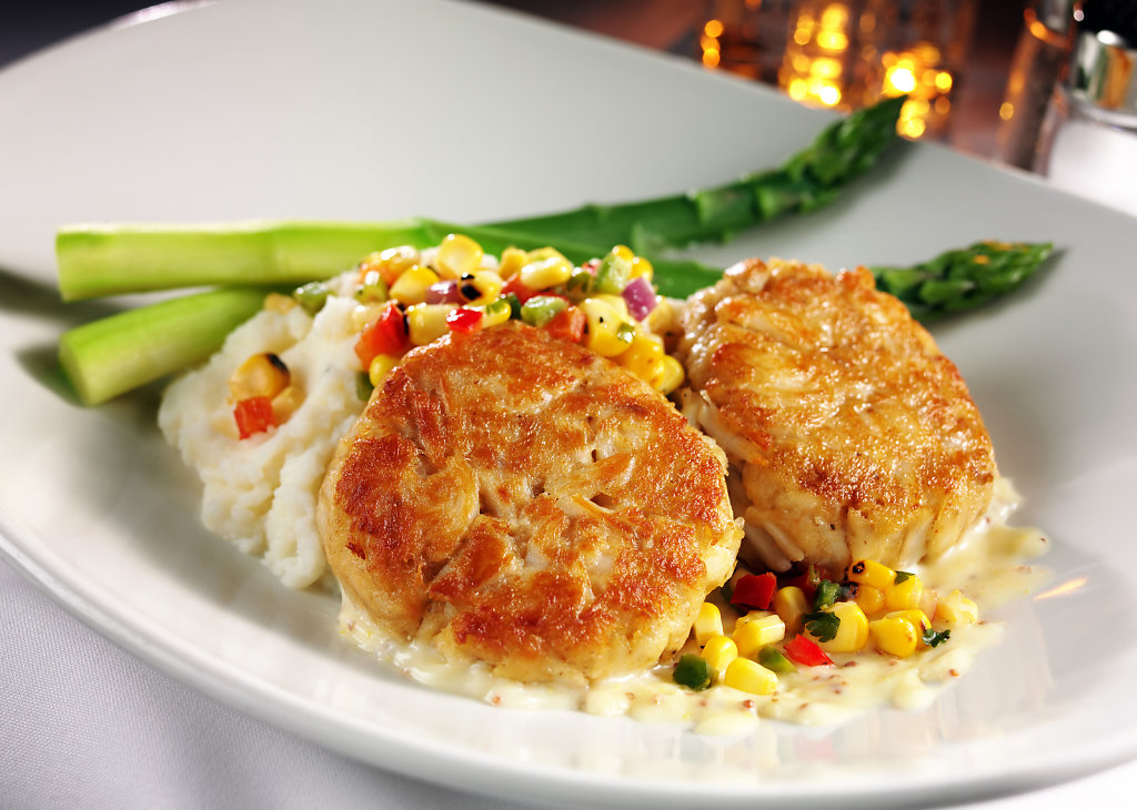 ROR-Crab-Cakes-Potatoes-Veg-alt.jpg