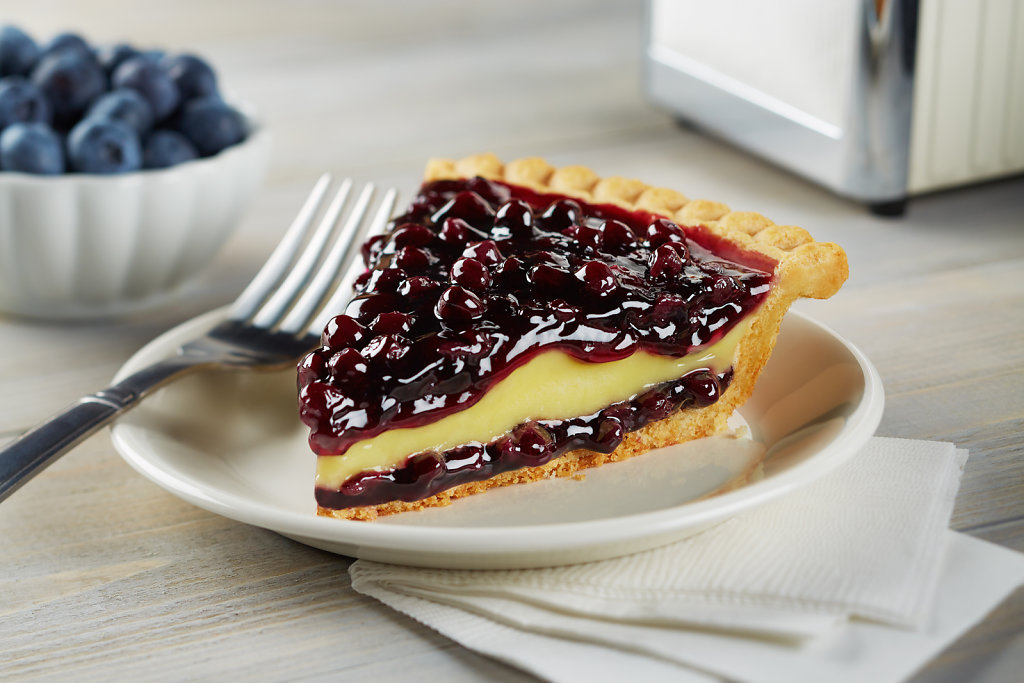 Blueberry-Bavarian-Cream-Pie-Slice-Glam-02.jpg
