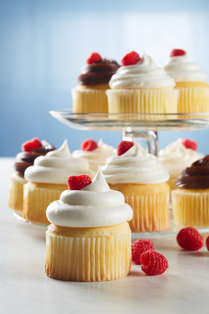 Extra-Rich-White-Cake-Mix-Cupcake-Glam.jpg