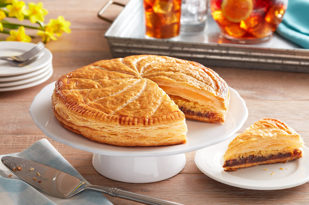 Puff-Pastry-Almond-Chocolate-Pithivier-Sliced.jpg